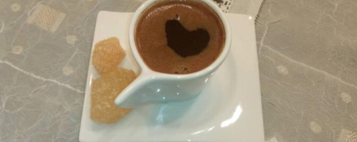 καφές και λουκουμάκια